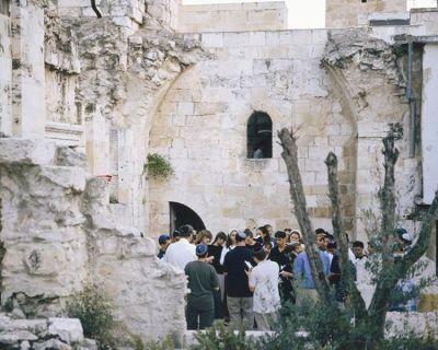 Feiern Sie das Sabbatfest in einer jüdischen Familie